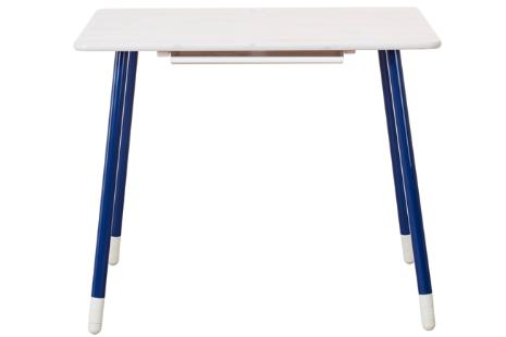 Flexa White bureau met in hoogte verstelbare poten en kantelbaar tafelblad. (whitewash, poten blauw)