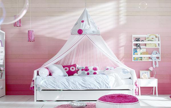Lifetime basisbed - Wit gelakt - met een strak, modern design is een hip tienerbed. Het onderschuifbed is een handig logeerbed.