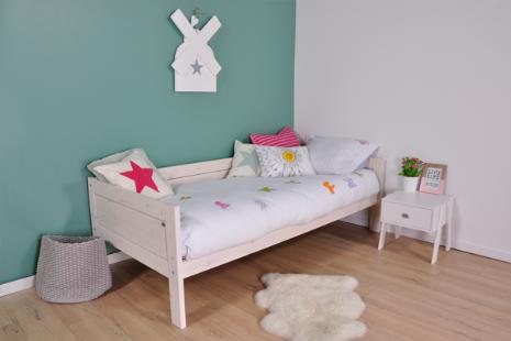 Dit whitewash basisbed uit de Lifetime Original collectie kunt u aan de voorkant voorzien van een bedfrontje naar keuze. De bedfrontjes zijn verkrijgbaar in 4 kleuren of met een prachtige illustratie.