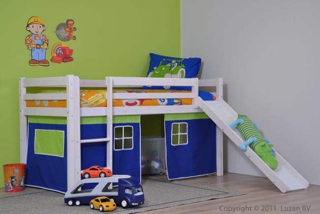 Half hoogslaper met glijbaan. Dit stoere glijbaan bed van Thuka Hit is uitgerust met een blauw-groen speelgordijn. Leuk voor een stoere jongenskamer.
